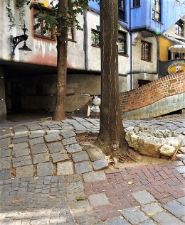 Dom_Hundertwasserhaus_DSCN5030-001 (2)
